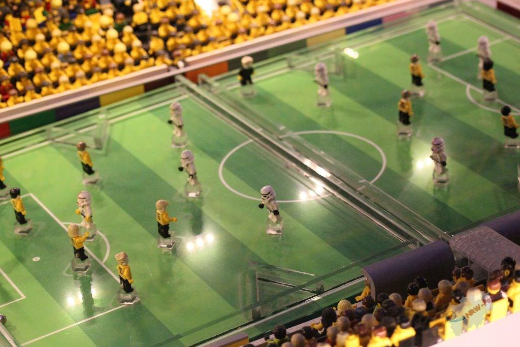Star Wars Fieber in der größten LEGO Steine Box der Welt | News ...